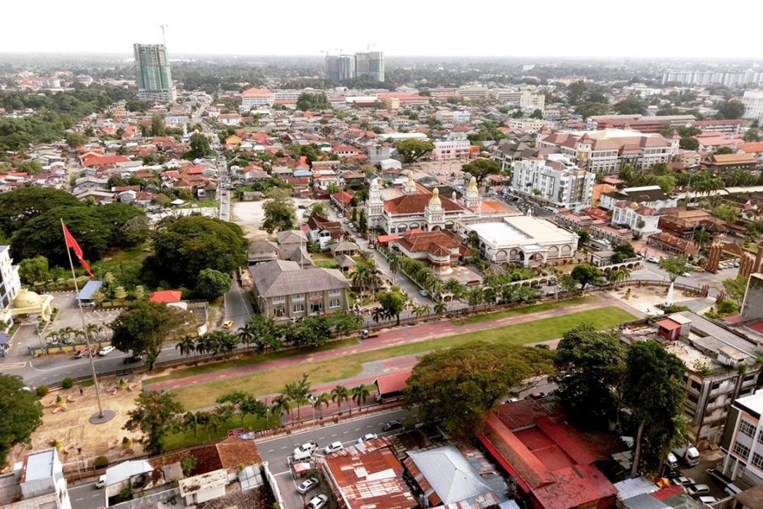 Moonwalking In Kelantan